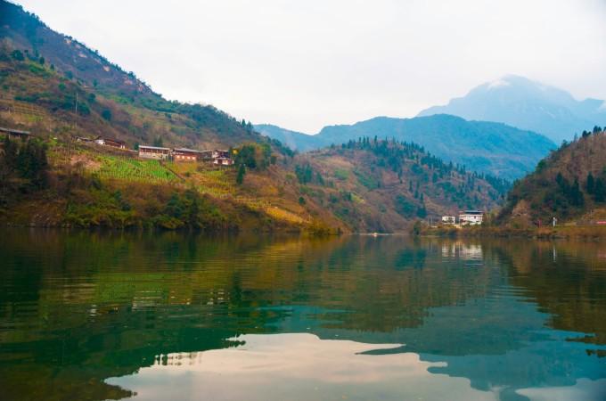2月21日,三江风景区,水磨羌寨         三江:三江生态风景区位于汶川