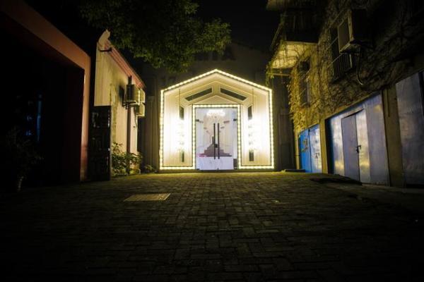 像童话故事里的小房子一样的工作室.摄影/黄华