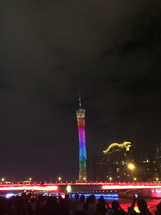 广州塔夜晚高清图片
