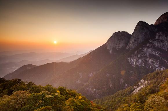 【皖南的高空玻璃栈道】安徽 安庆 岳西县 明堂山 景点门票和上下行索